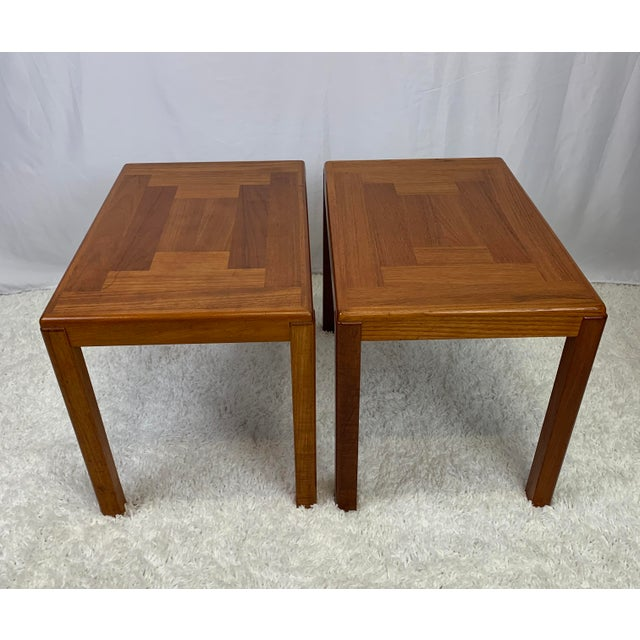 Vejle Stole & Møbelfabrik 1960s Danish Mid-Century Modern Henning Kjaernulf for Vejle Stole Møbelfabrik Side Tables -- a Pair For Sale - Image 4 of 11