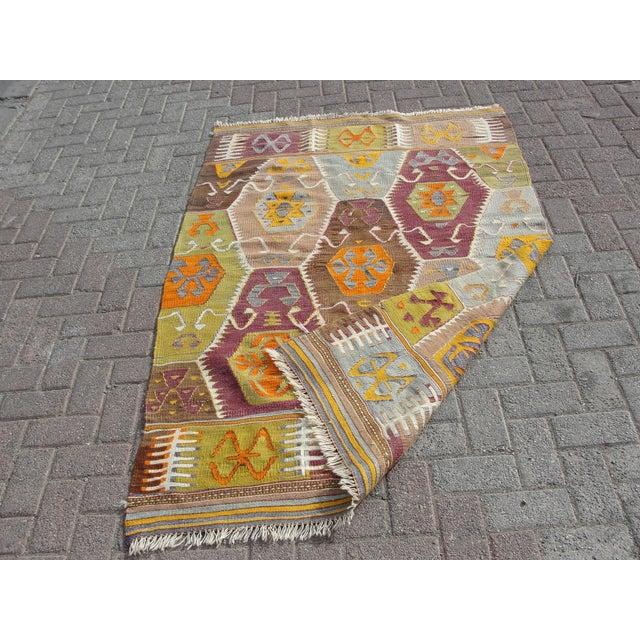 Vintage Turkish Kilim Rug - 3′11″ × 6′1″ For Sale - Image 11 of 11