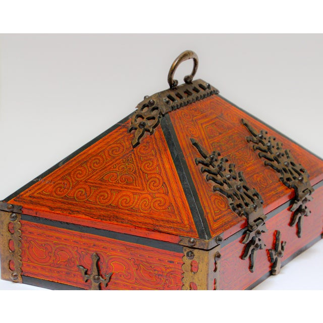 Large Decorative Indian Jewelry Box With Brass, Kerala Nettur Petti For Sale - Image 10 of 13