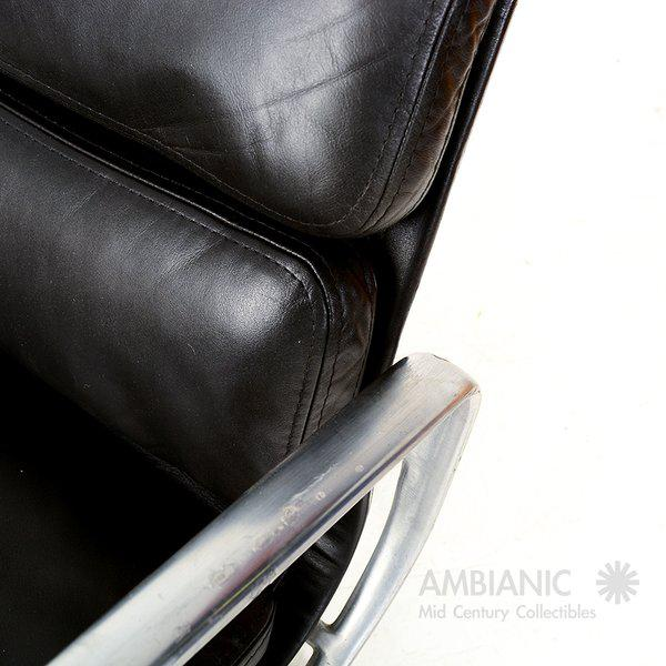 Vintage Herman Miller Eames Soft Pad Aluminum Group Chair For Sale In San Diego - Image 6 of 9