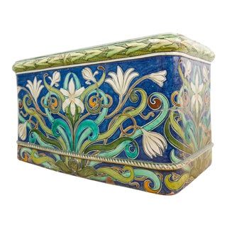1890s Vintage Italian Polychrome Painted Majolica Cistern For Sale