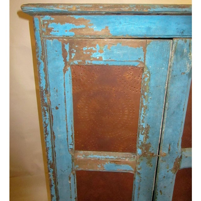 19th Century American Primitive Southern Pie Safe With Distressed Blue Paint For Sale In Savannah - Image 6 of 13