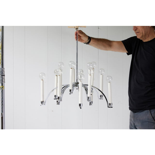 Midcentury Modern 14-Arm Chrome Chandelier by Lightolier For Sale In Atlanta - Image 6 of 12