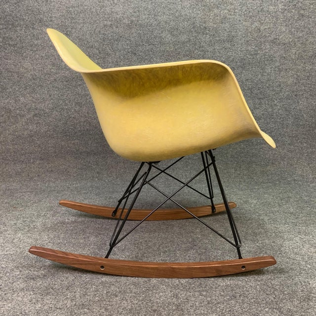 Zenith Vintage Mid Century Charles Eames Fiberglass Rocking Chair For Sale - Image 4 of 12
