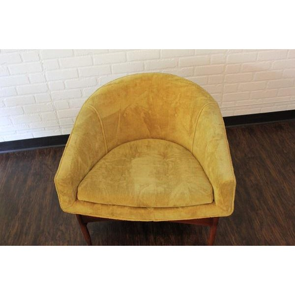 This chair by Lawrence Peabody is in completely amazing original crushed velveteen fabric in a mustard color. The wood...
