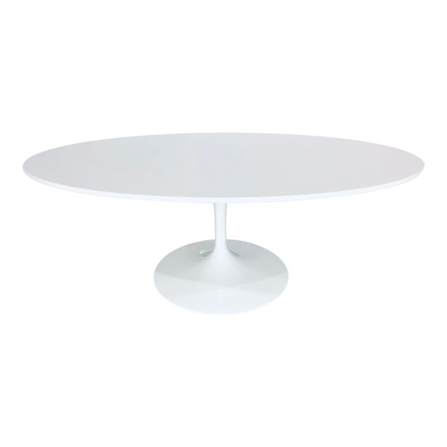 Mid-Century Modern Eero Saarinen for Knoll Oval White Laminate Tulip Coffee Table For Sale