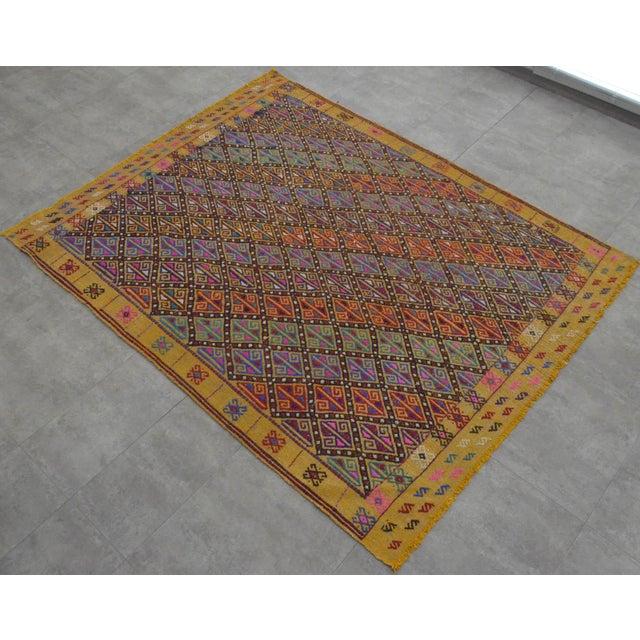 Hand Woven Vintage Turkish Kilim Rug. Wool Braided Area Rug Kilim Jajim- 5′5″ × 7′ For Sale - Image 4 of 9