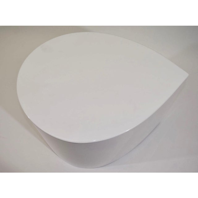 White Lacquer Teardrop Side Table, Karl Springer Style - Image 3 of 6