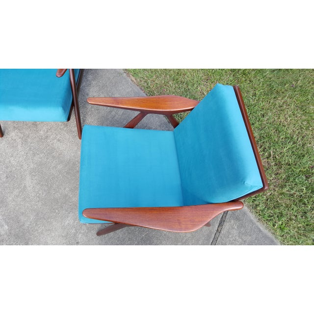 1960s Danish Modern Hovmand Olsen Lounge Chairs - a Pair For Sale - Image 11 of 13