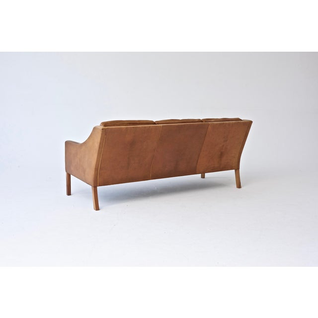 Mid-Century Modern Original Borge Mogensen 2209 Sofa in Patinated Tan Leather, Denmark, 1960s-1970s For Sale - Image 3 of 6
