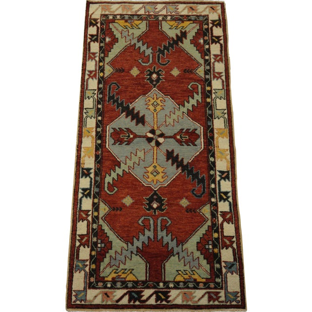 Vintage Turkish Oushak Rug - 2′8″ × 5′6″ For Sale