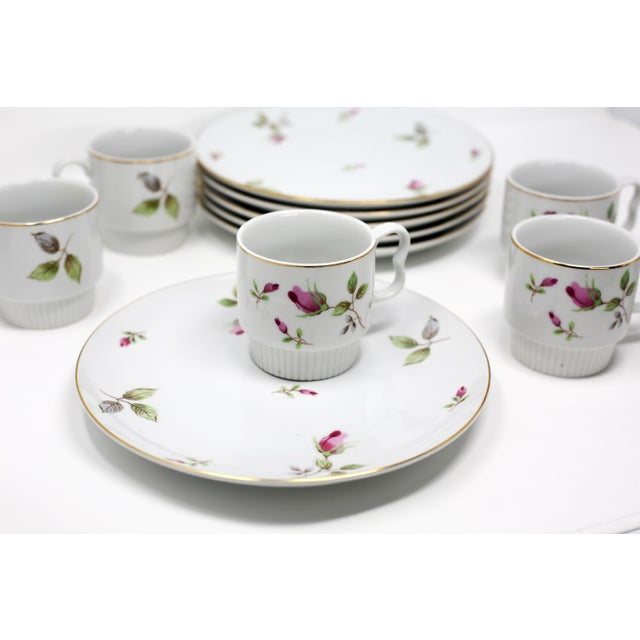 Asian 1970s Chinoiserie Royal Geoffrey Rosebud Snack Plates and Cups - 12 Piece Set For Sale - Image 3 of 13