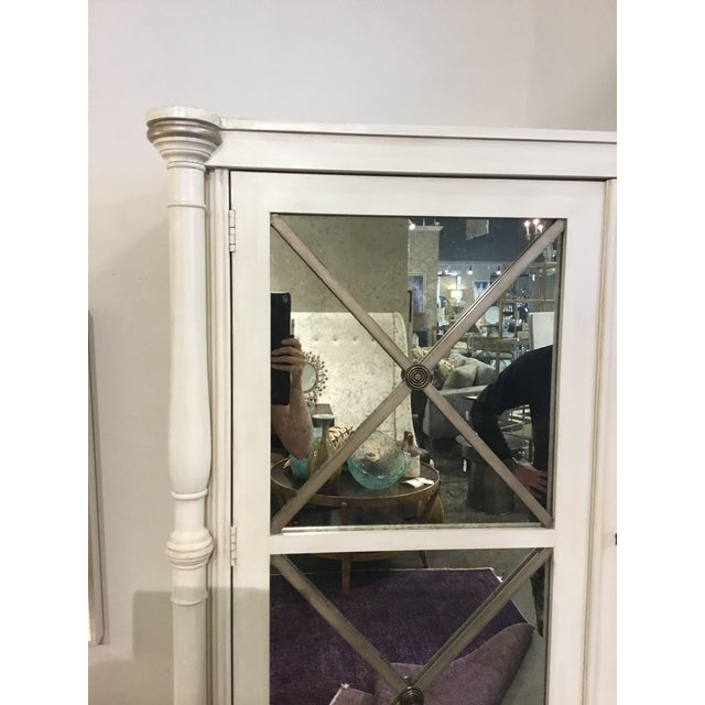 Drexel Heritage Transitional White Wood and Mirrored Door Cabinet For Sale In Atlanta - Image 6 of 7