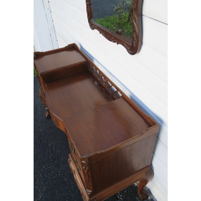 Chippendale Ball and Claw Feet Flame Mahogany Vanity Table and Mirror For Sale In Miami - Image 6 of 13