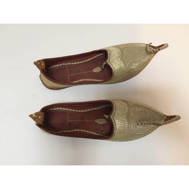 Amazing vintage Middle Eastern gold embroidered shoes. Ceremonial wedding slippers, embroidered with gold thread. Aladdin,...