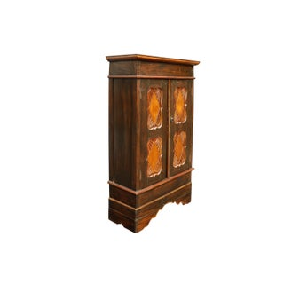 Simply Carved Craftsman Style Wardrobe Preview