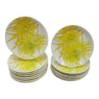 Mid Century Modern Ernestine Ceramiche 1960s Chrysantemum Pattern Plates - Set of 18 For Sale