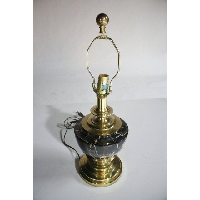 1970s Stiffel Marble and Brass Table Lamp For Sale - Image 5 of 8