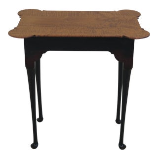 1990s Vintage Tiger Maple Scalloped Top Primitive Occasional Table For Sale