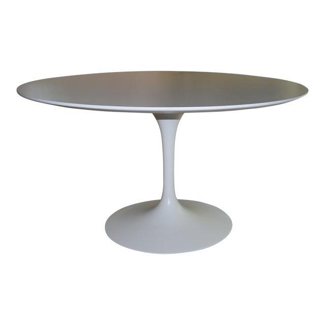 Mid-Century Modern Saarinen Pedestal Dining Table For Sale