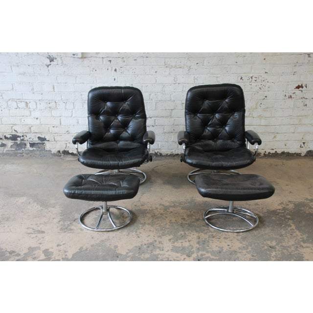 Danish Modern Vintage Black Leather Ekornes Stressless Lounge Chairs & Ottomans - a Pair For Sale - Image 3 of 9