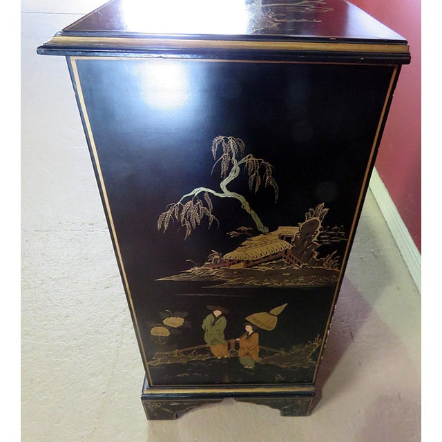 Georgian Furniture Company Chinoiserie Commode For Sale In Philadelphia - Image 6 of 10
