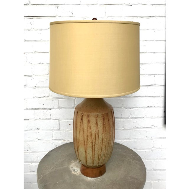 Mid-Century Modern David Cressey Mid Century Ceramic Pottery Lamp For Sale - Image 3 of 12