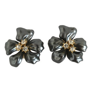 Vintage Kenneth Lane Kjl Flower Clip Earrings - a Pair For Sale