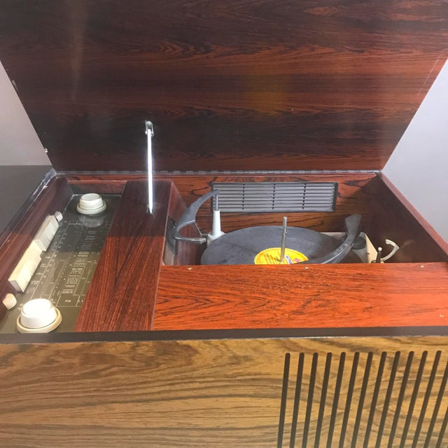 """1970s Blaupunkt GmbH """"Arizona"""" Rosewood & Chrome Stereo Console For Sale - Image 10 of 13"""