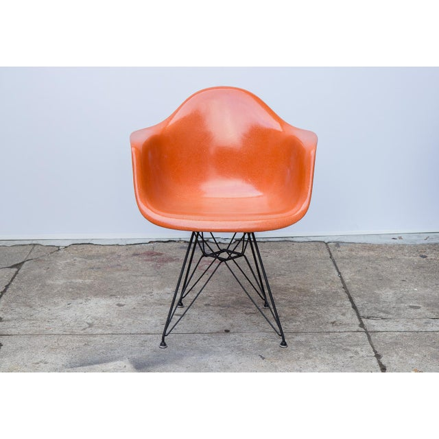 Mid-Century Modern Eames Molded Fiberglass Armchair in Orange For Sale - Image 3 of 10