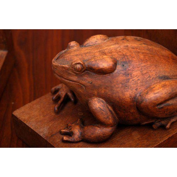 Frogs Bookends Hand Carved in Mahogany - a Pair For Sale In San Diego - Image 6 of 6