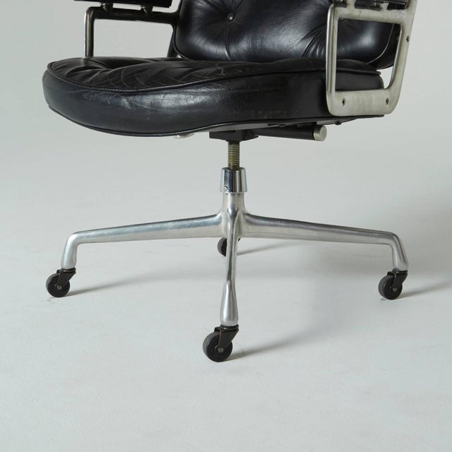 Eames Time Life Executive Office Chair by Charles Eames For Sale - Image 4 of 9
