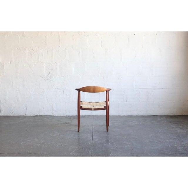 Johannes Hansen 1950s Mid-Century Modern Hans Wegner Teak and Wicker Round Chair For Sale - Image 4 of 6