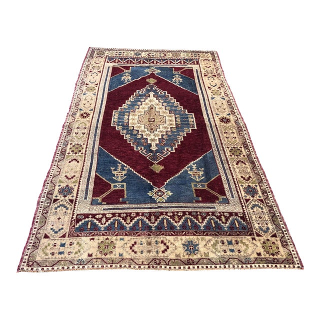 1960s Vintage Oversize Turkish Rug- 4′7″ × 8′8″ For Sale