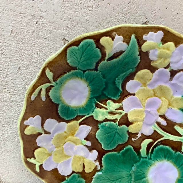 Antique 19th Century English Majolica Geranium Platter For Sale - Image 4 of 6