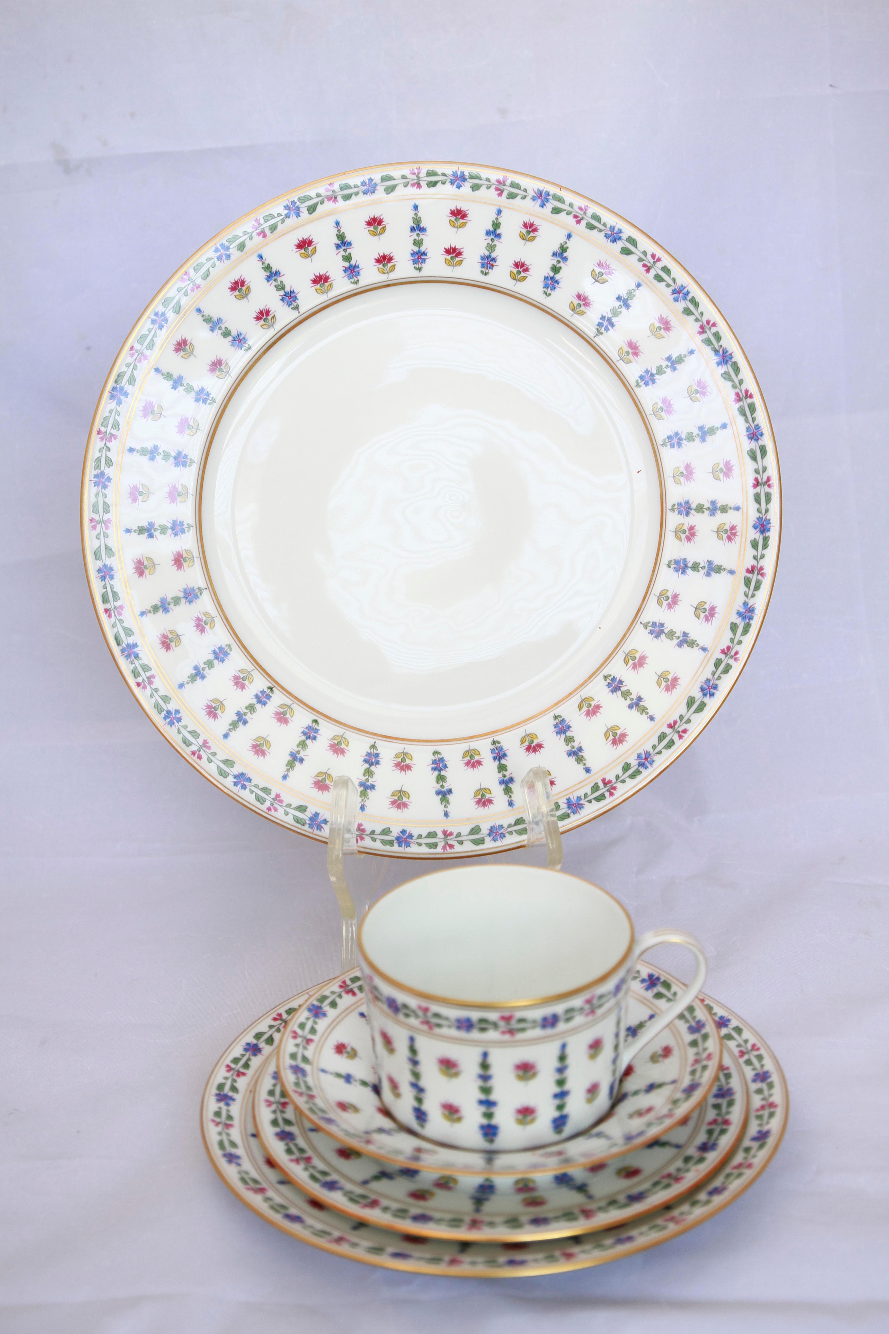 Full Set Service for 8 Royale Limoges France Vintage Floral Porcelain Dinnerware - 40 Pcs.  sc 1 st  Chairish & Full Set Service for 8 Royale Limoges France Vintage Floral ...