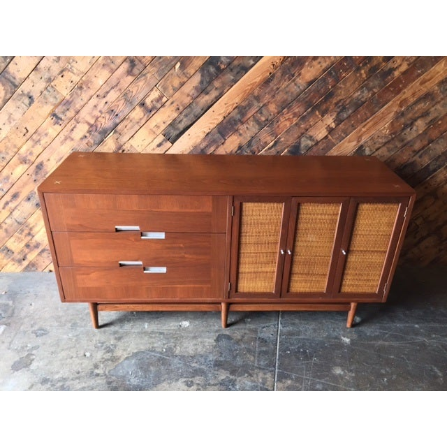 American of Martinsville Mid-Century Dresser For Sale - Image 5 of 10