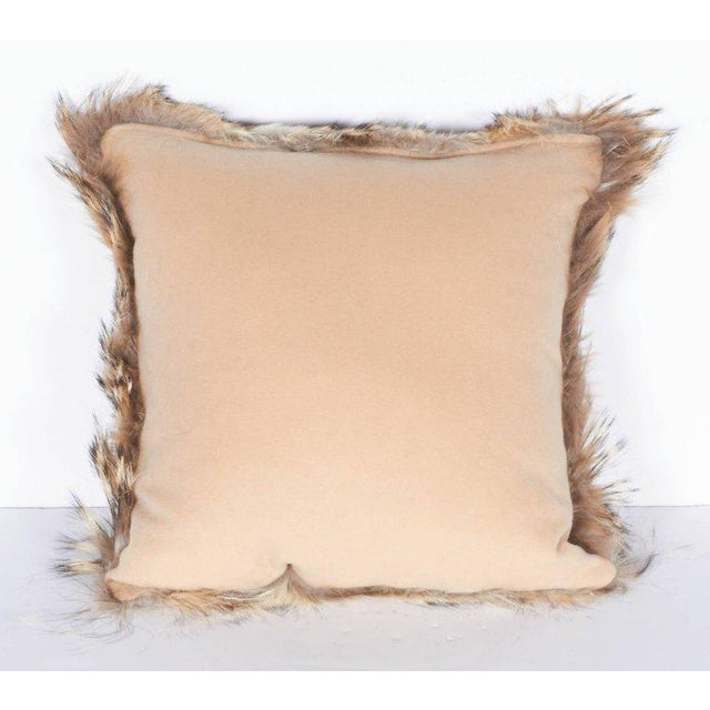 Pair of Luxury Fur Throw Pillows in Genuine Coyote and Cashmere For Sale In New York - Image 6 of 10