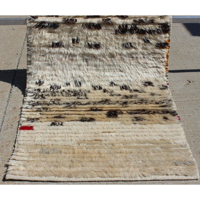 Contemporary New Cream and Black Rug - 2′1″ × 3′4″ For Sale - Image 4 of 7