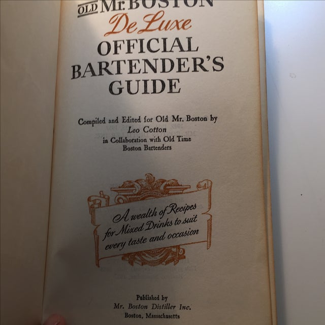 Old Mr. Boston Official Bartenders Guide - Image 4 of 8