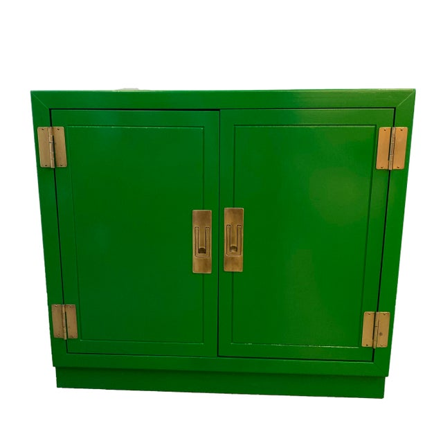 Mid Century Kelly Green Campaign Chests-a Pair For Sale In Dallas - Image 6 of 9