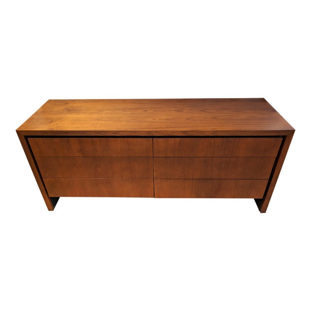 Mid-Century Modern Dillingham for Merton Gershun Walnut Dresser For Sale