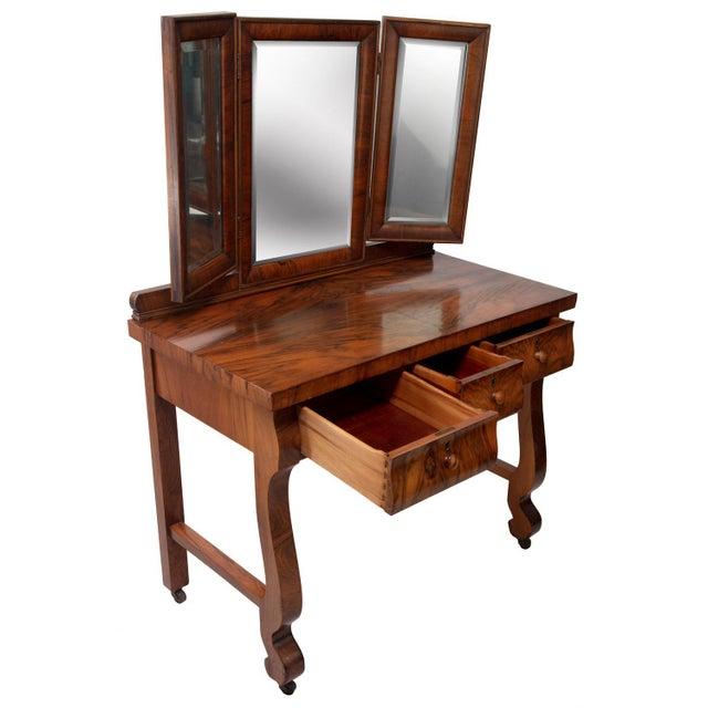 1900 - 1909 1903 Marvel Bevelled Three Mirror Oak Vanity For Sale - Image 5 of 13