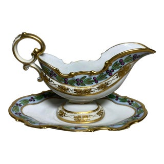 Antique Hand-Painted Floral & Grape Wreath Morimura Bros Nippon Gravy Boat With Drip Dish- 2 Pieces For Sale