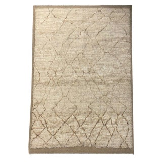 Moorish Style Contemporary Asymmetrical Beige and Brown Shag Carpet - 6′4″ × 9′9″ For Sale