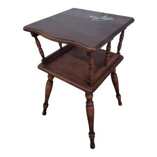 Vintage Traditional Two-Tiered Side Table With White Bird For Sale