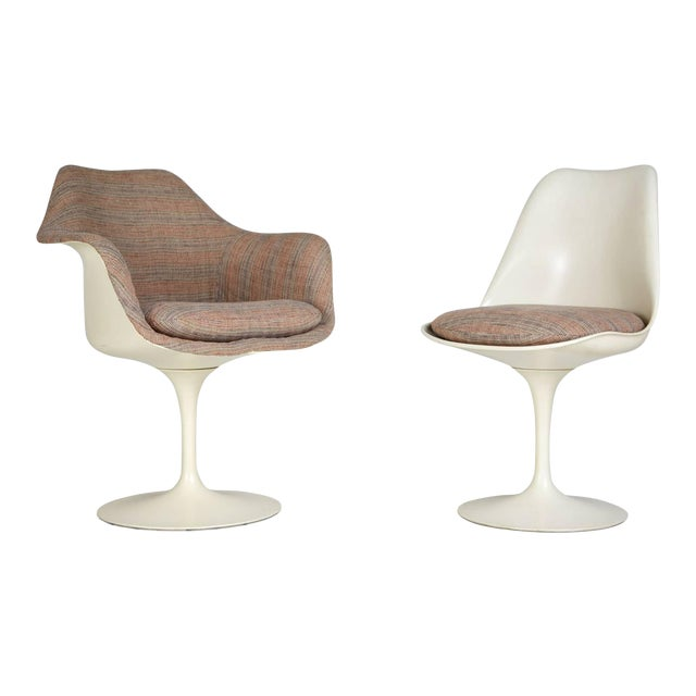 1970s Eero Saarinen His and Hers Tulip Chairs for Knoll International - a Pair For Sale