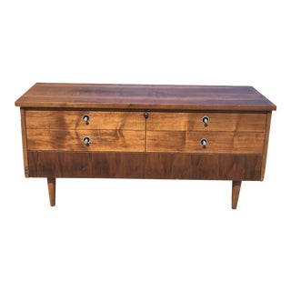 Lane Sleek Mid-Century Walnut Cedar Chest