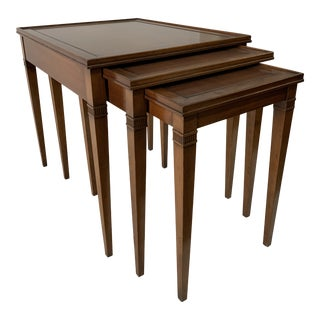 Classic Regency Mahogany Nesting Tables - Set of 3 For Sale