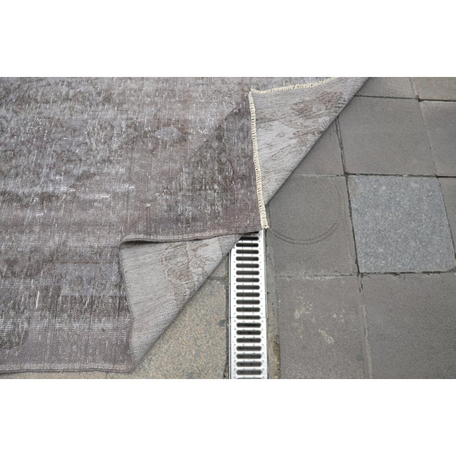 "Textile Turkish Gray Overdyed Floor Rug - 5'10"" x 9'1"" For Sale - Image 7 of 7"